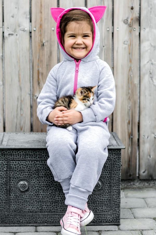 Fuchsia Kitten