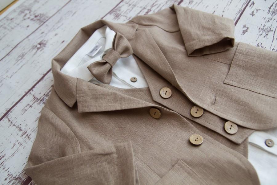 _BALTAS lininis kostiumėlis su rusva